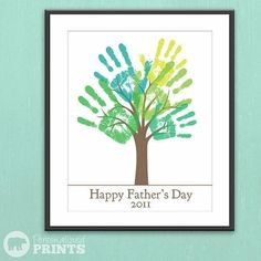 Happy Father's Day Handprint Plaque : lots of ideas for Father's Day Gifts from the boys