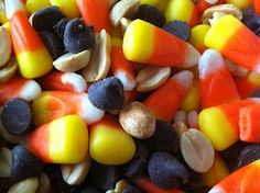 Best Snack Mix Ever: Candy corn, chocolate chips and salted peanuts. So good!