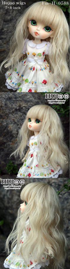 Hujoo wigs and eyes at the Hujoo website.