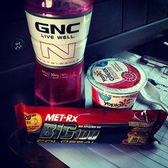 Mid snack  #notfuckinaround #boutthatlifestyle #instagram #popular #gnc #fitness #metrx #big100 #gym #workout #instagramfitness #fitstagram .