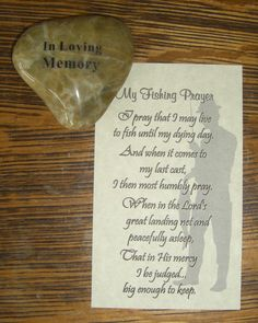 Memory stones are a wonderful memorial favor. Consider handing one out to family and friends as they are given a program, memorial card or bookmark. Every time they come across the memory stone they will reflect on the wonderful life of the departed. #funeral idea, #life celebration ideas, #memory stones, #token of remembrance