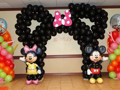 Mickey mouse clubhouse Ballon arch- Decor by sleepymommy01, via Flickr