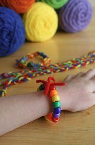 So easy! St. Patrick's Day Friendship Bracelets