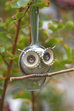 DIY: owl - tea strainer bottle caps, idea, craft, art, household items, tea, diy, garden, owls