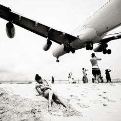 High contrast B images of airliners flying into  Princess Juliana International Airport, Sint Maarten.