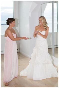jennie kay beauty, person and killian, newport wedding, belle mer, bridal hair, bridal makeup, blonde