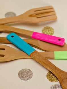 DIY neon kitchen utensils -great housewarming or hostess gift