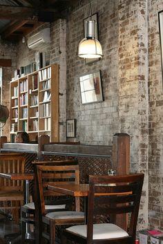 Bookshop cafe: Berkelouw's Newtown Bookshop & Cafe.