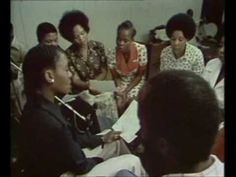 Mahotella Queens - Umculo Kawupheli (1973) - great live footage
