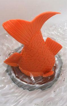 Stuck goldfish bath plug // hilarious! haha!!