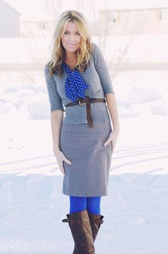 blue scarf with blue tights...love!