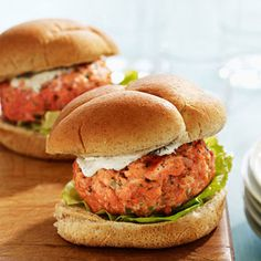 juicy salmon burgers