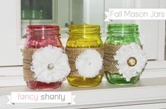 Check out what I did with my Mod Podge DIY Color Mason Jars!  Fall mason jars add a touch of pizazz to holiday decor that will last from September through Thanksgiving. #masonjar #fall #diy #craft