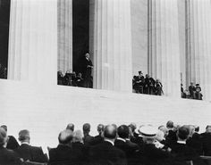 On May 30, 1922, the Lincoln Memorial is dedicated in Washington, D.C.