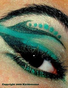 beaches, eye makeup, eyeshadow, color, blue, waves, green, dramatic eyes, beauti