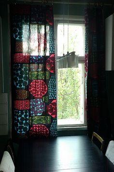 Marimekko Purnukat fabric in a Finnish kitchen. #marimekko #home #finland