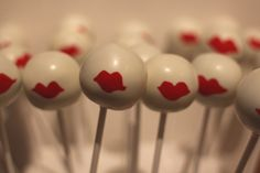 Kiss in the Cake Pops