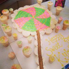 Lollipop cupcake cake. Ice cream cone cupcakes DIY