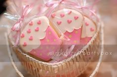 party favors, birthday, 1st bday, cupcake party, decorating ideas, decorated cookies, cookie decorating, cupcak cooki, parti