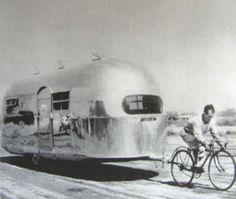 Caravan Bike / Caravane tractée par un vélo #caravan #bike