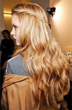 Gucci Fall 2012 runway hair