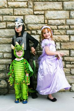 Kids Halloween Costumes and cute photo shoot idea for Halloween Day