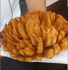 How to Make Blooming Onion - Cooking - Handimania