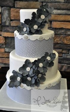 Fondant Iced Wedding Cake C55