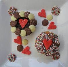 V-day Cupcakes #love #essentialspanyc #valentinesday #0214 #214 #red #vday