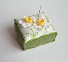 daisy pincushion