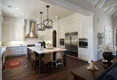 trendsideas.com: architecture, kitchen and bathroom design: Character kitchen – traditional detailing by Cooper Pacific