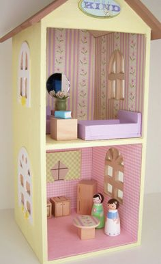 love these sweet peg dolls and their house!