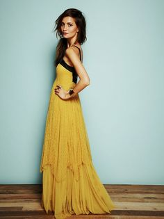Petals and tulle: Yellow dress