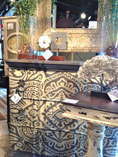 Hand painted furniture #HPmkt