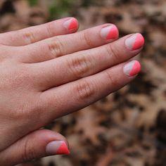 Tessacotton: Neon Nails - Mani Monday