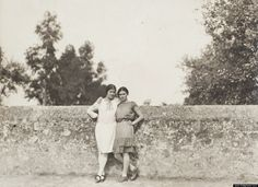 Frida Kahlo and the photographer Tina Modotti, 1928.