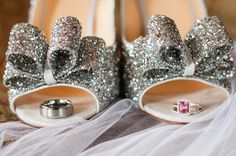 his and her rings, photo by Jennifer Crenshaw Photography http://ruffledblog.com/clark-gardens-wedding #weddingideas #weddingrings