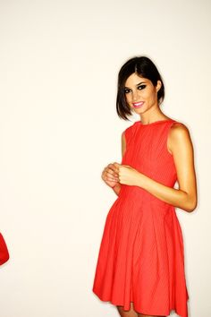 Love the dress :) and the colour <3