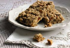 Whole Grain Fruit-Filled Breakfast Bars