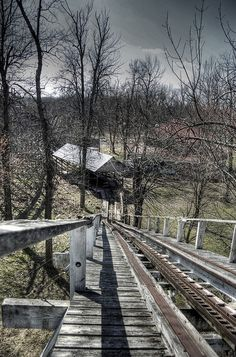 abandoned amusement park Pennsylvania: http://www.flickr.com/photos/filth_city/5563291437/in/set-72157626362118428/