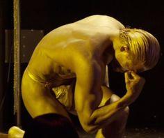 "Joe Manganiello's Gold Statue Routine in ""Magic Mike"""
