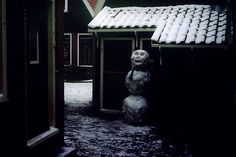 Creepy Christmas - Dark Alley Snowman creepi christma, dark christma