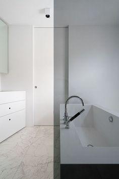 Studio Niels™: Walk-In Bathroom