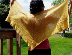 Knitted shawl free pattern on Ravelry