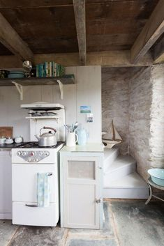 lovely rustic kitchen, mark bolton7.jpg (521×781)