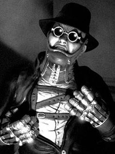 Peter Lorre as Dr. Gogol in Karl Freund's Mad Love (1935)