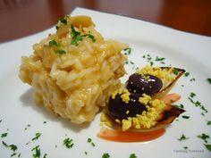 Risoto de bacalhau, açafrão e queijo brie ao vinho branco, Acompanha cebolas grelhadas, tomates, ovos e azeitonas pretas,