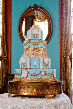 Now how is that for a New Orleans cake?!