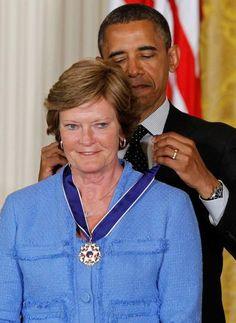 President Barack Obama awards the Medal of Freedom to former basketball coach Pat Summitt