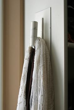 using an old trowel as a hanger (Mamie Jane)